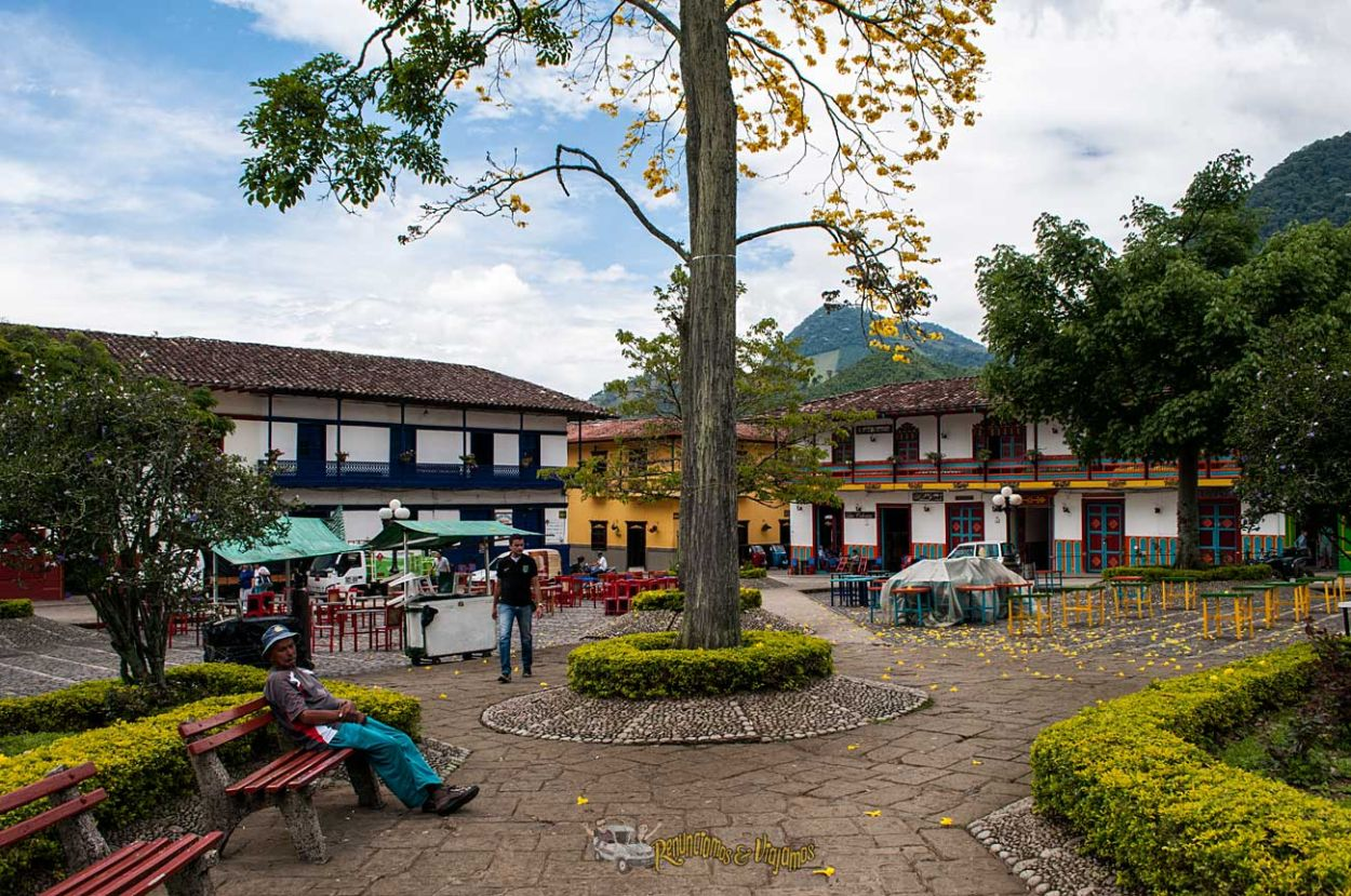 Jard n antioquia el pueblo en colombia que le hace honor for Jardin antioquia
