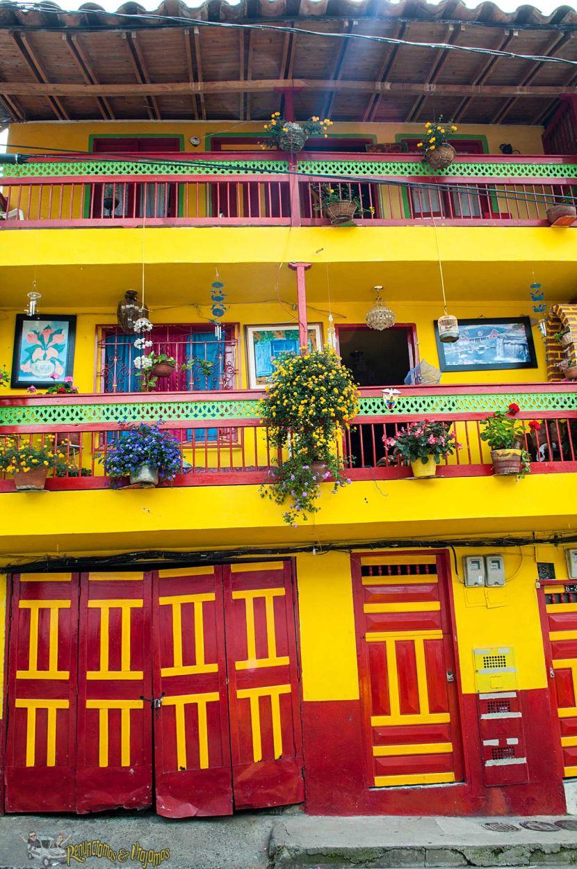 Jard n antioquia el pueblo en colombia que le hace honor for Casa y jardin tienda madrid