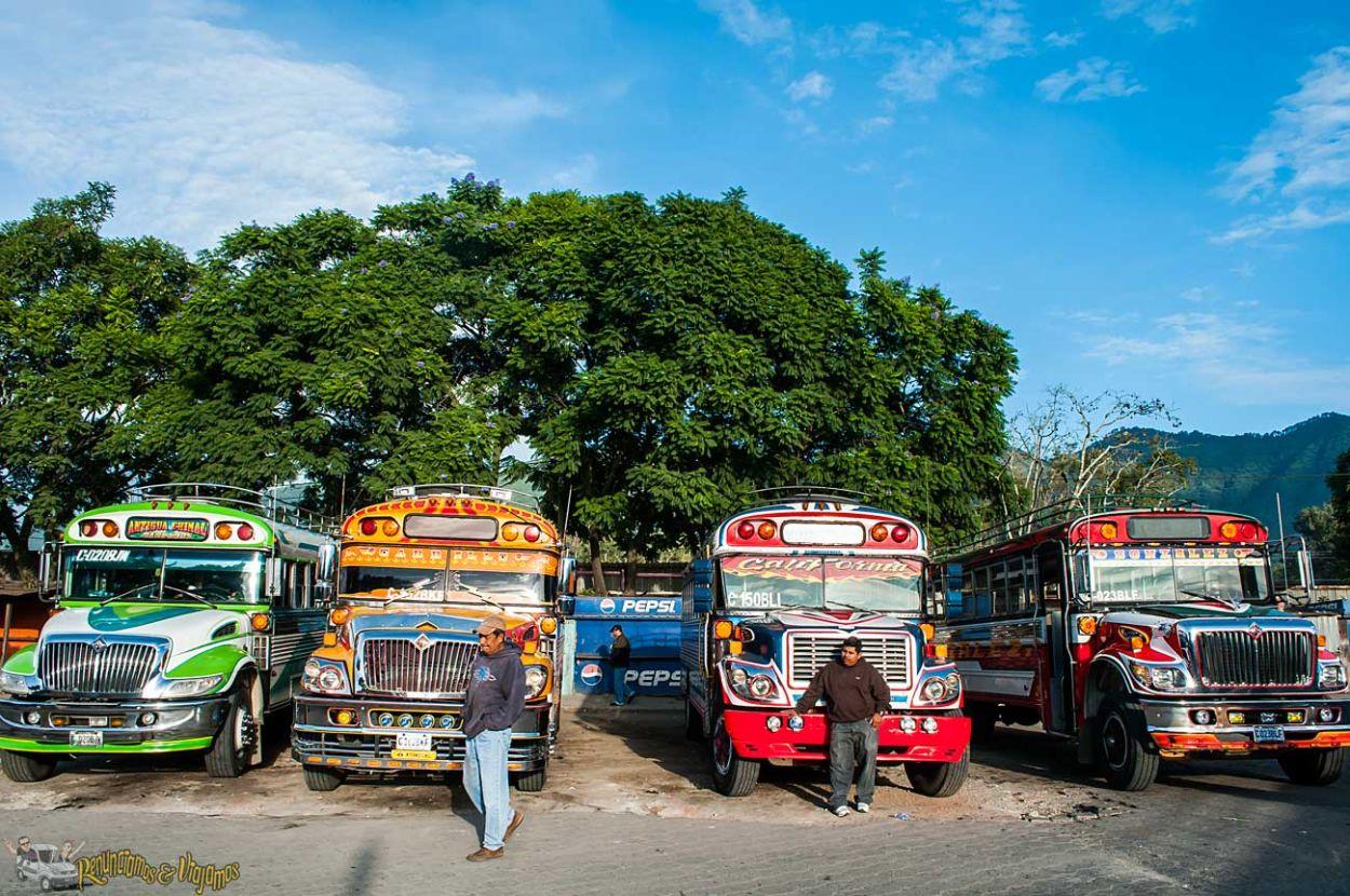 Chicken-Bus-Guatemala-Renunciamos-y-viajamos-9